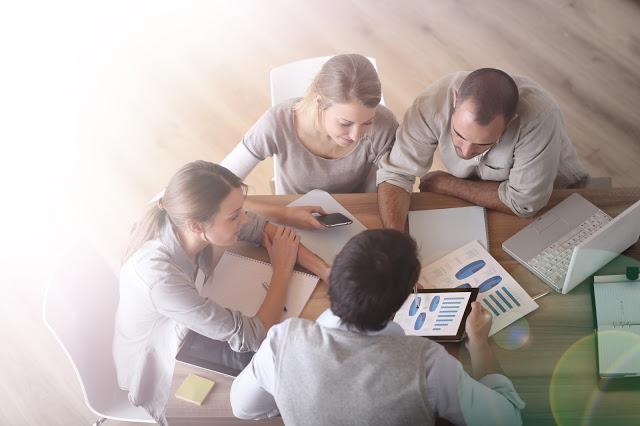 Turbine a gestão de relacionamento com o cliente com o CRM